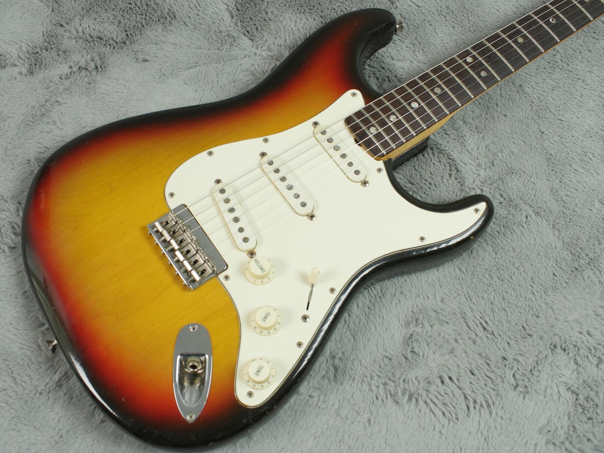 1971 Fender Stratocaster 4 bolt Hardtail + HSC