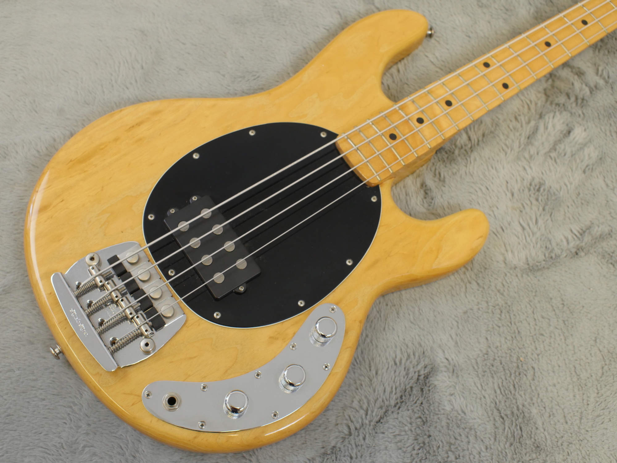 1980 MusicMan Stingray Bass + OHSC MINT!